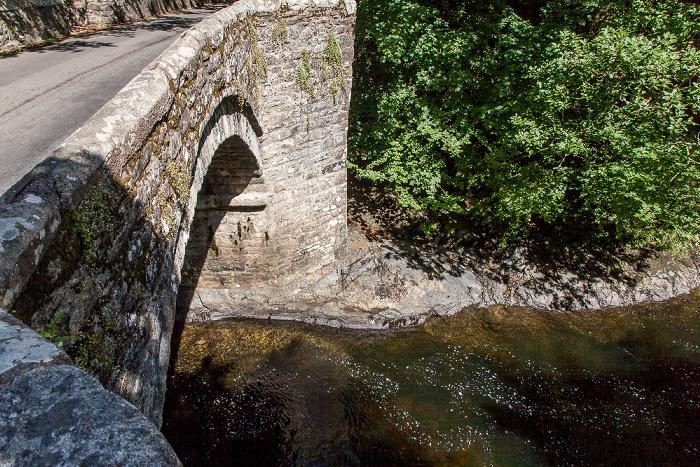 Dartmoor National Park Dartmoor: Holne Bridge über den River Dart