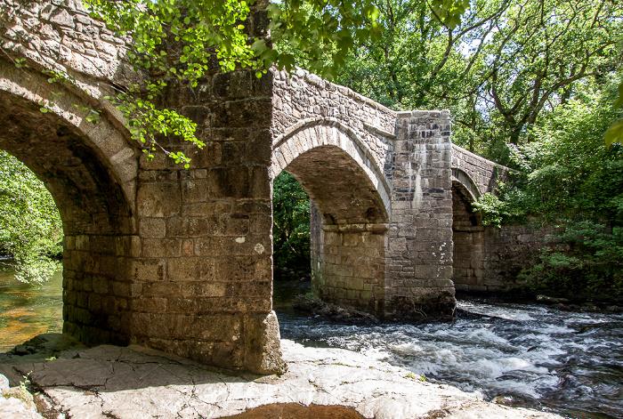 Dartmoor National Park Dartmoor: New Bridge über den River Dart