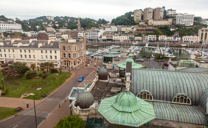Blick aus The English Riviera Wheel: Torquay Pavilion und Torquay Harbour