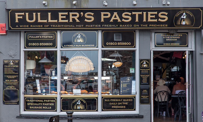 Brixham The Strand: Fuller's Pasties