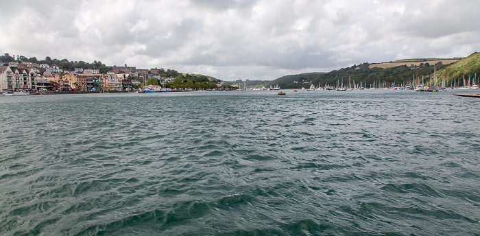 Kingswear Blick von der Dartmouth Lower Ferry: River Dart (flussaufwärts)