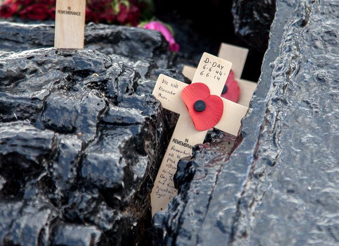 Slapton Sands: Torcross Memorial - Sherman Tank