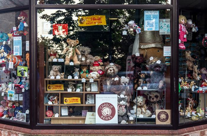 Minehead The Avenue: Exmoor Teddy Bears