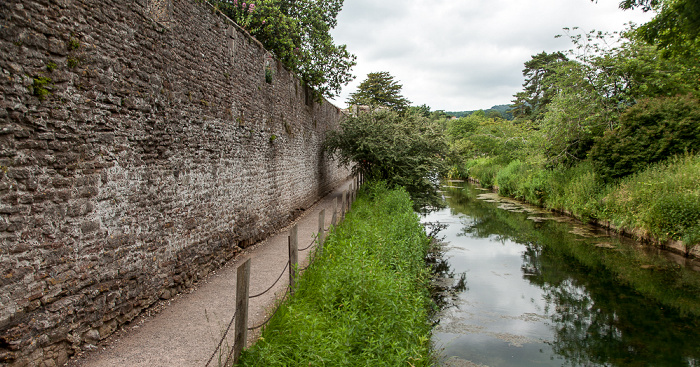 Wells Bishop's Palace: Moat (Burggraben)