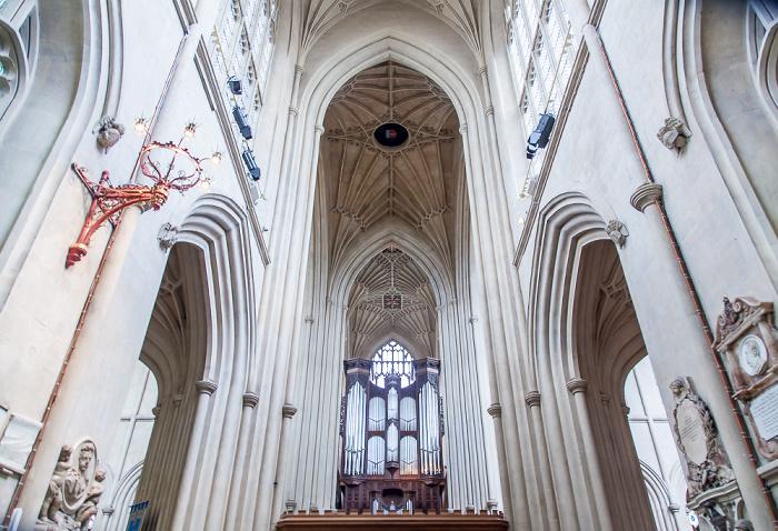 Bath Abbey: Hauptschiff / Orgel