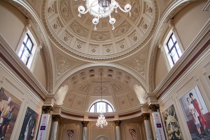 Roman Baths: Grand Pump Room - Eingangshalle
