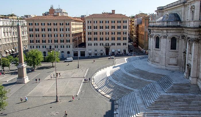 Rom Blick von der Dachterasse des Hotel Gallia: Piazza dell'Esquilino mit dem Obelisco Esquilino Basilica di Santa Maria Maggiore