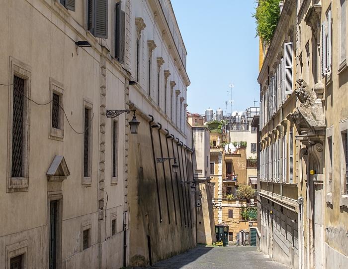Trevi: Via dei Giardini Rom
