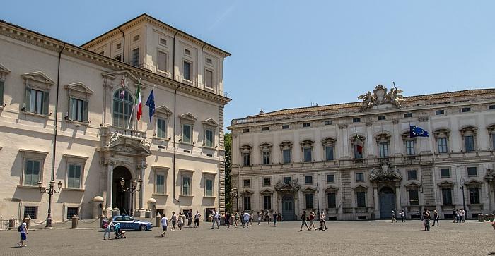 Trevi / Monti: Piazza del Quirinale - Palazzo del Quirinale (Quirinalspalast) (links) und Palazzo della Consulta Rom