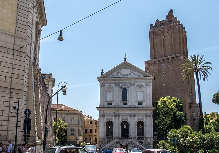 Monti: Largo Magnanapoli - Chiesa di Santa Caterina a Magnanapoli und Torre delle Milizie Rom