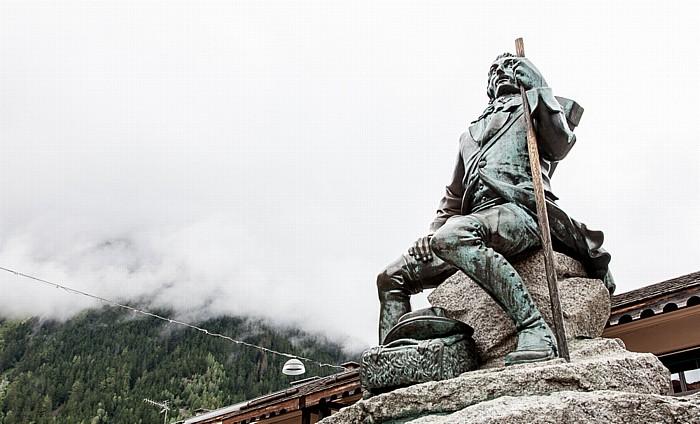 Chamonix Avenue Michel Croz: Michel-Gabriel-Paccard-Denkmal