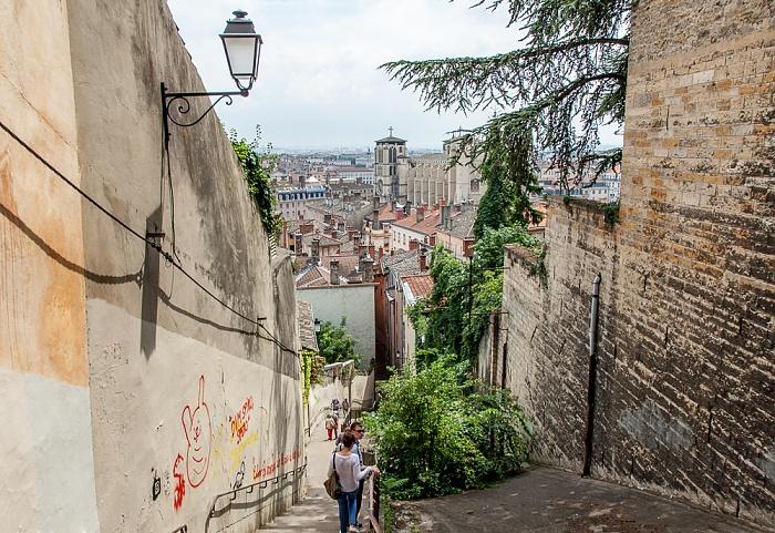 Vieux Lyon: Montée des Chazeaux Cathédrale Saint-Jean-Baptiste