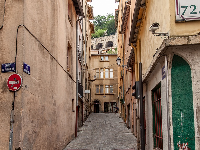 Vieux Lyon: Rue du Doyenné / Rue du Viel Renversé Lyon