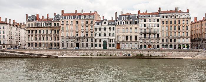 Blick vom Quai Fulchiron (Vieux Lyon) auf Saône und Presqu'île (Halbinsel)
