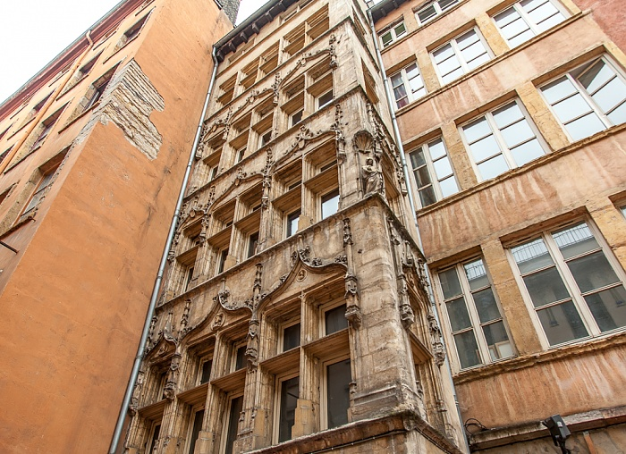 Vieux Lyon: Rue Lainerie - Maison Claude Debourg