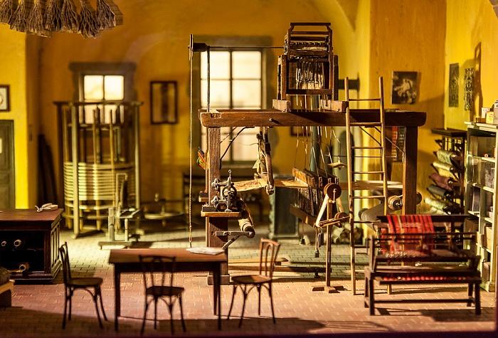 Vieux Lyon: Rue Saint-Jean - Musée Miniature et Cinéma Lyon