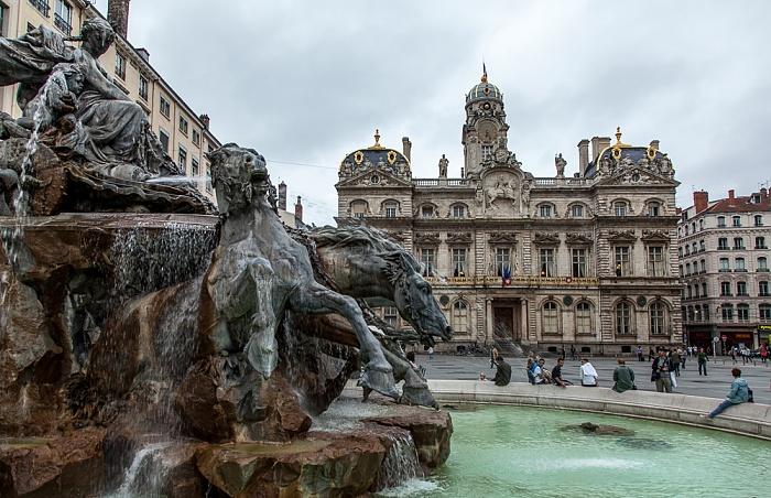 Lyon Presqu'île (Halbinsel): Place des Terreaux mit dem Fontaine Bartholdi Hôtel de Ville