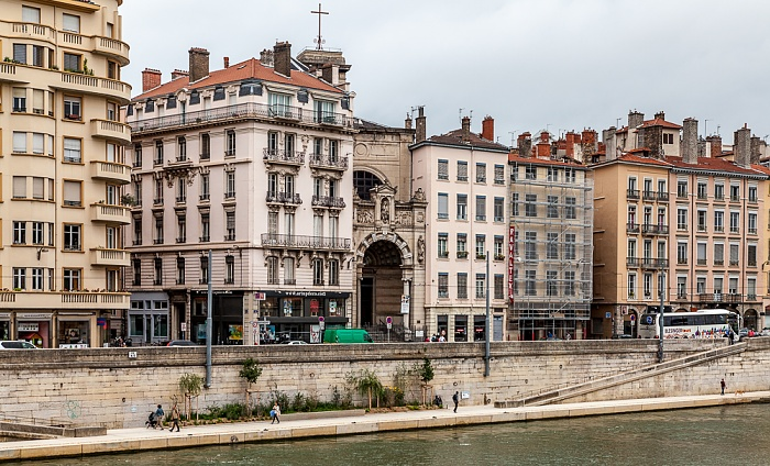 Blick vom Quai de Bondy (Vieux Lyon) auf Saône und den Quai St Vincent (Presqu'île (Halbinsel)) Église Notre-Dame-Saint-Vincent