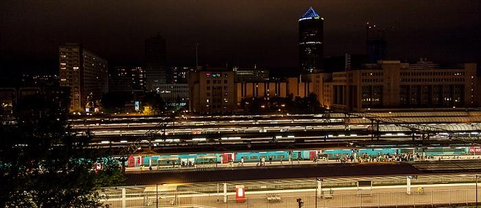 Blick aus dem ibis Styles Lyon La Part Dieu: Gare de Lyon-Part-Dieu und La Part-Dieu mit dem Tour Part-Dieu