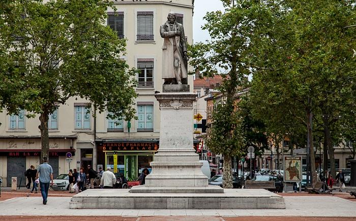 Lyon La Croix-Rousse: Place de la Croix Rousse - Statue de Jacquard