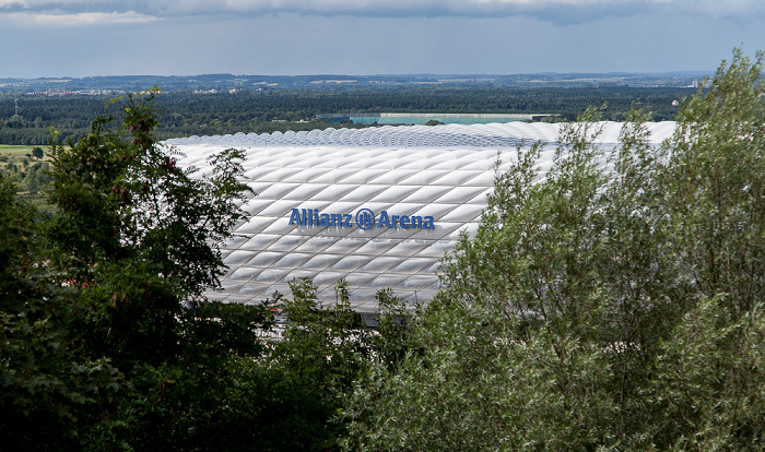 München Blick vom Fröttmaninger Berg: Allianz Arena Fröttmaninger Heide