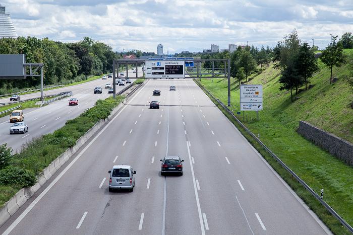 München Autobahn A  9 in Richtung Stadtzentrum Bundesautobahn A 9