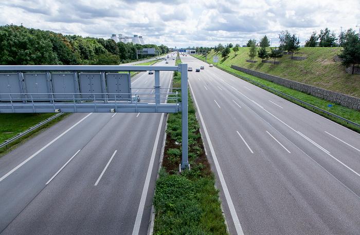 München Autobahn A  9 in Richtung Stadtzentrum Bundesautobahn A 9 Klärwerk Gut Großlappen