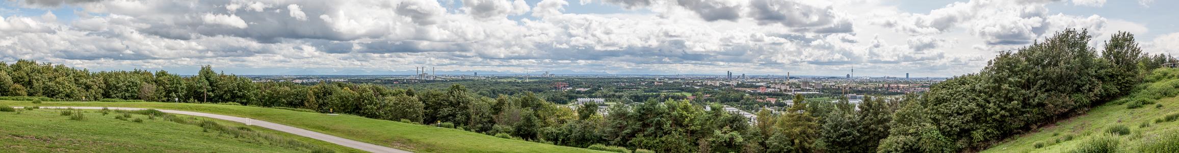 München Blick vom Fröttmaninger Berg in Richtung Stadtzentrum