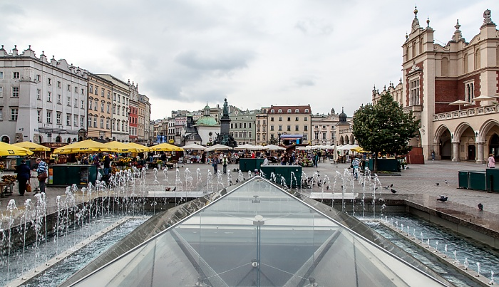 Krakau Stare Miasto: Hauptmarkt (Ring, Rynek Glówny) Adam-Mickiewicz-Denkmal Krakauer Tuchhallen St.-Adalbert-Kirche