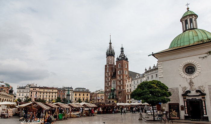 Krakau Stare Miasto: Hauptmarkt (Ring, Rynek Glówny) - St.-Adalbert-Kirche Marienkirche