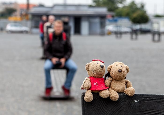 Krakau Podgórze: Plac Bohaterów Getta - Teddine und Teddy