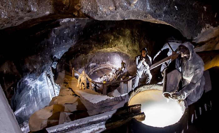 Salzbergwerk Wieliczka: Kammer Pieskowa Skala - von Sohle I, 65 m Tiefe bis obere Sohle II, 91 m Tiefe
