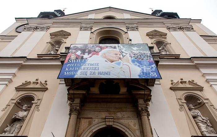 Kalwaria Zebrzydowska Franziskanerkloster: Klosterkirche mit einem Bild von Papst Johannes Paul II.