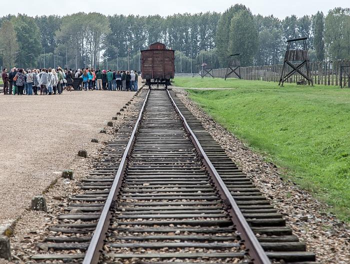 Staatliches Museum Auschwitz-Birkenau: Konzentrationslager Auschwitz-Birkenau - Gleise und Waggon