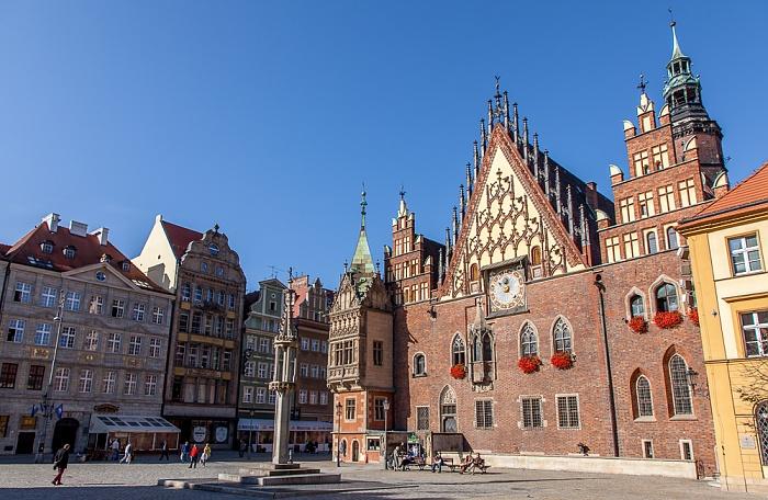 Stare Miasto: Großer Ring (Rynek) - Breslauer Rathaus und Staupsäule (Pranger)