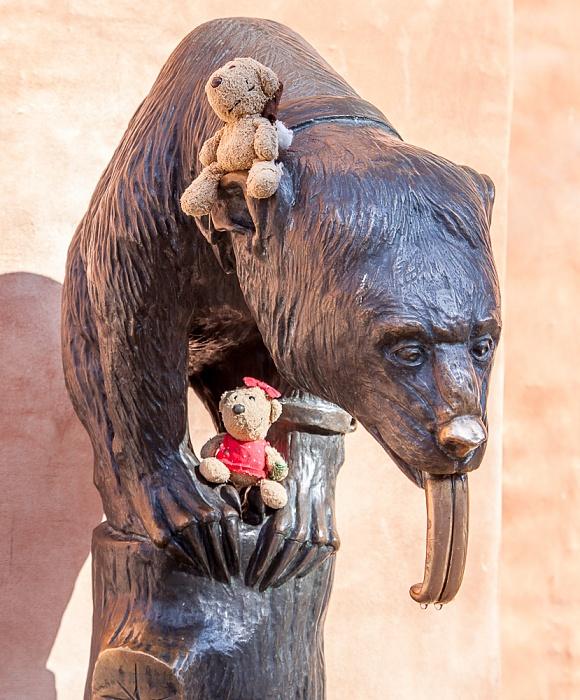Stare Miasto: Großer Ring (Rynek) - Breslauer Rathaus: Teddy und Teddine mit dem Brunnenbär