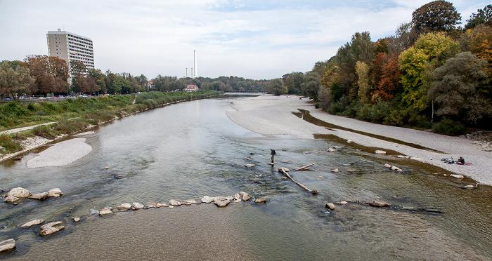 Blick von der Thalkirchner Brücke: Isar München