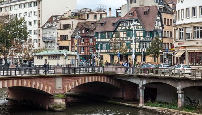 Straßburg Blick von der Pont Kuss: Quartier de la Gare - Canal du Faux-Rempart und Pont National