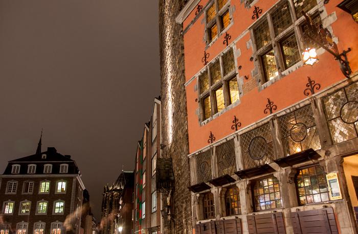 Aachener Rathaus: Restaurant Postwagen. Aachener Dom