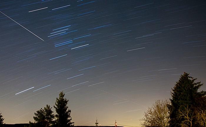 Pfohren Nachthimmel über der Baar: Sterne und Flugzeugspuren