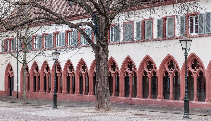 Freiburg Altstadt: Rathausplatz - St. Martin