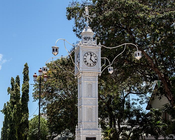 Victoria (Seychellen) Albert Street / Independence Avenue: Clock Tower