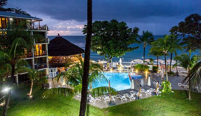 Beau Vallon Blick aus dem Coral Strand Hotel Beau Vallon Beach