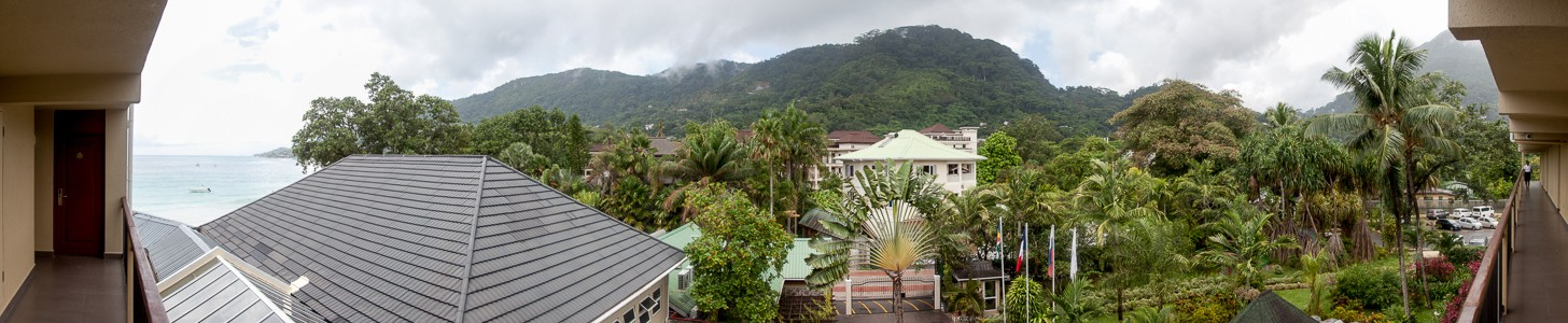 Beau Vallon Blick aus dem Coral Strand Hotel