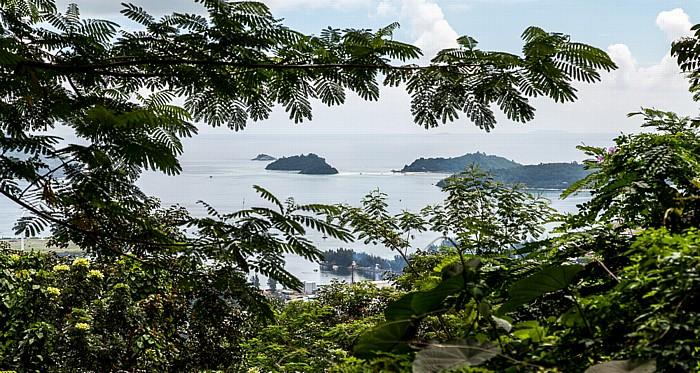 Mahé Blick von Bel Air (Sans Soucis Road): Ste Anne Marine National Park (Indischer Ozean)