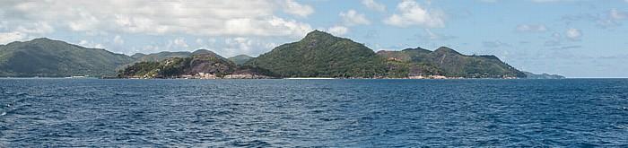 Indischer Ozean Fähre Baie Sainte Anne (Praslin) - La Passe (La Digue): Île Ronde, dahinter Praslin Curieuse Round Island