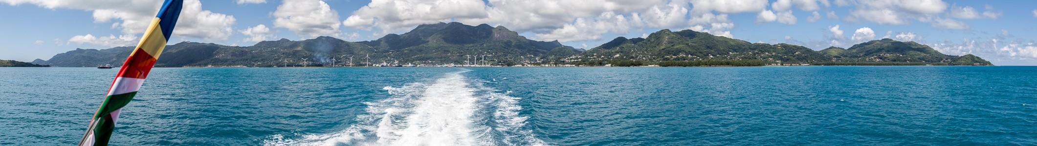 Indischer Ozean Fähre Victoria (Mahé) - Baie Sainte Anne (Praslin): Mahé