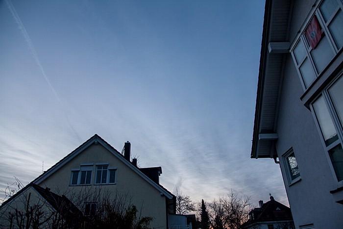München Blick auf den Himmel am Tag der (partiellen) Sonnenfinsternis 2015 (2,5 Stunden vor Beginn)