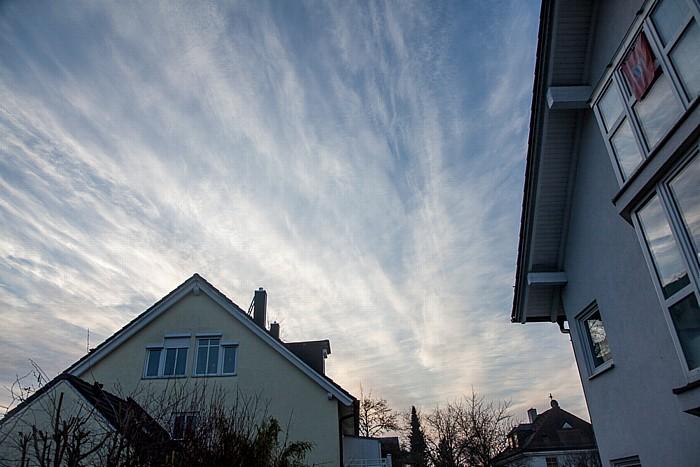 München Blick auf den Himmel am Tag der (partiellen) Sonnenfinsternis 2015