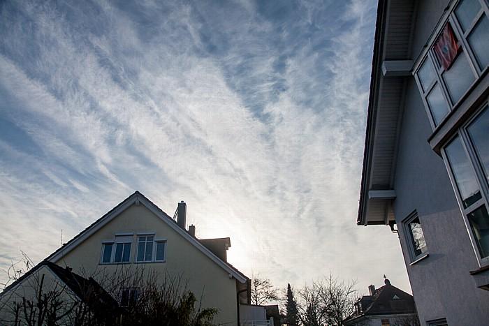München Blick auf den Himmel am Tag der (partiellen) Sonnenfinsternis 2015 (40 Minuten vor Beginn)